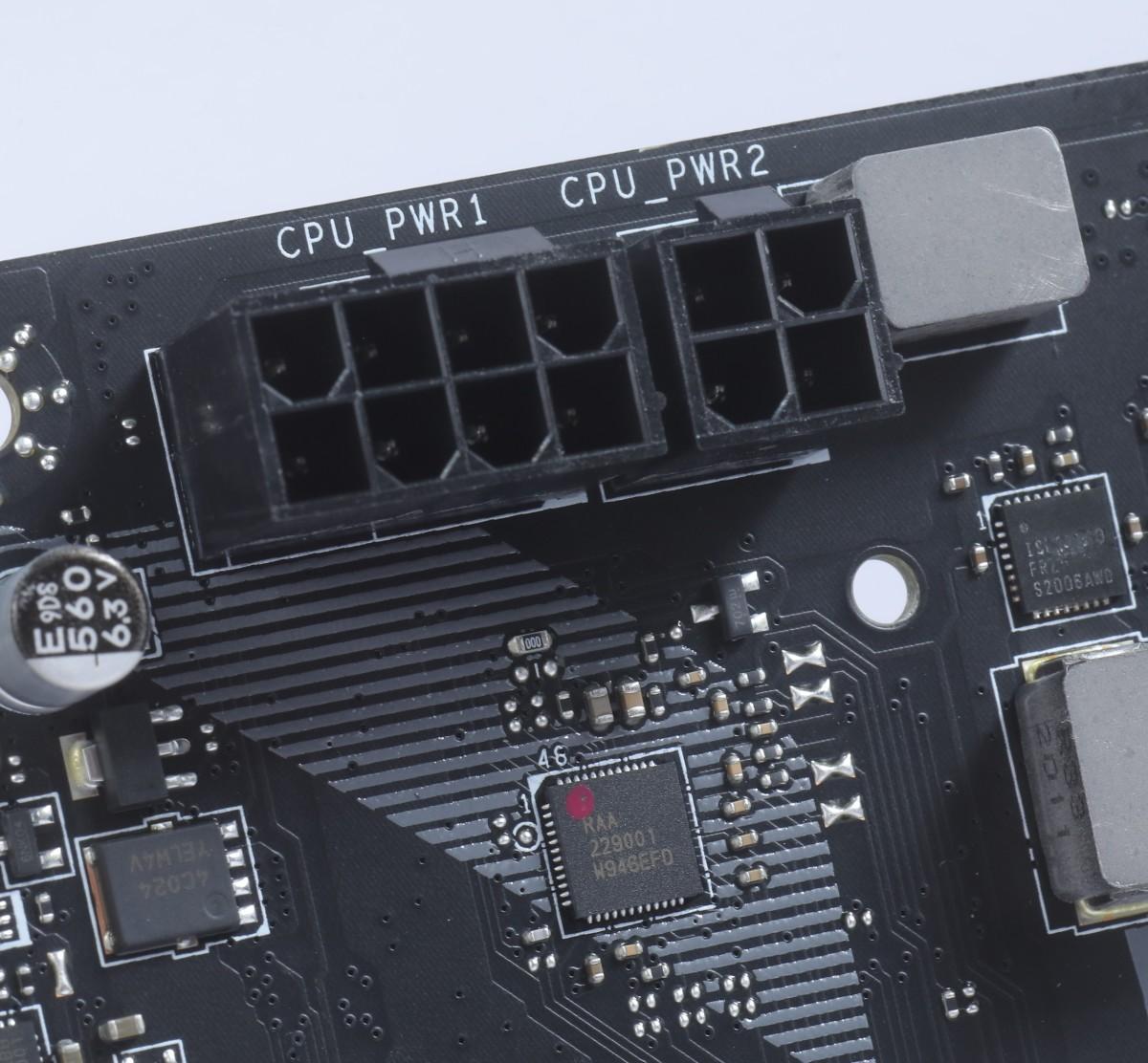 CPU 供電採用 8+4pin 設計