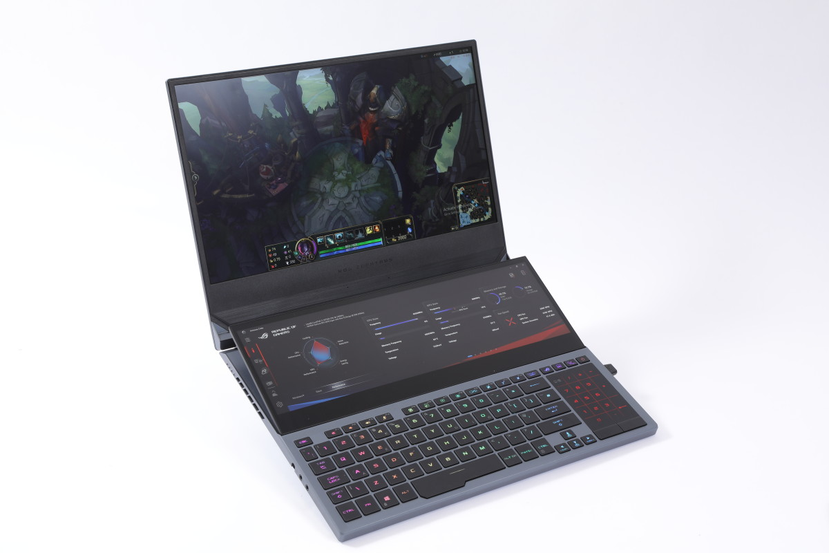 本次主角ROG Zephyrus Duo 15 ,在鍵盤上方的副屏幕就是今次的重點。