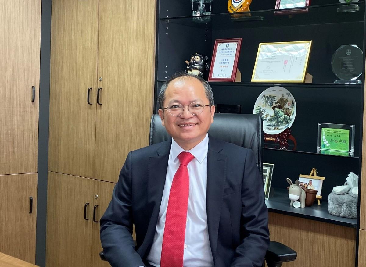 元朗商會中學丘志良校長。