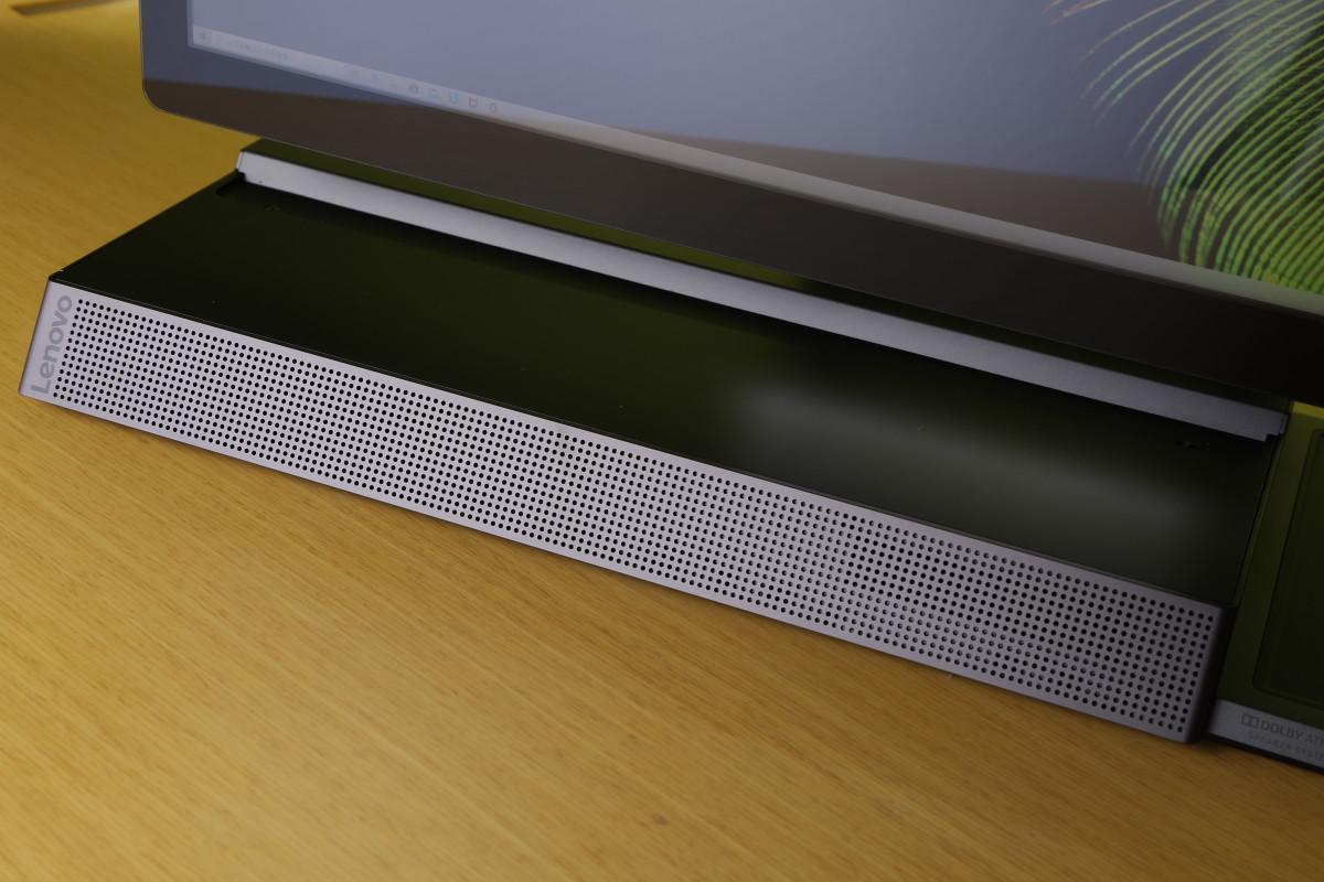 A940支援Dolby Atmos音效,機身底部有一組大型Soundbar,而屏幕下也有第二組喇叭,即使顯示器平放向前傾,也不會阻礙聲音發放,喇叭頂則可用來放鍵盤。
