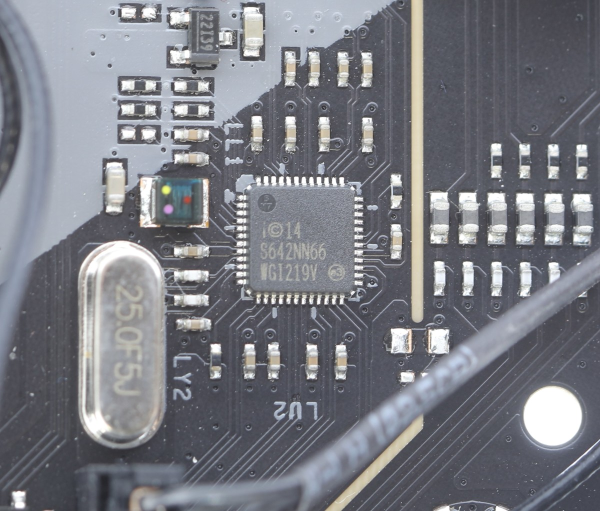 固網功能採用 Intel I219-V Gigabit LAN 晶片