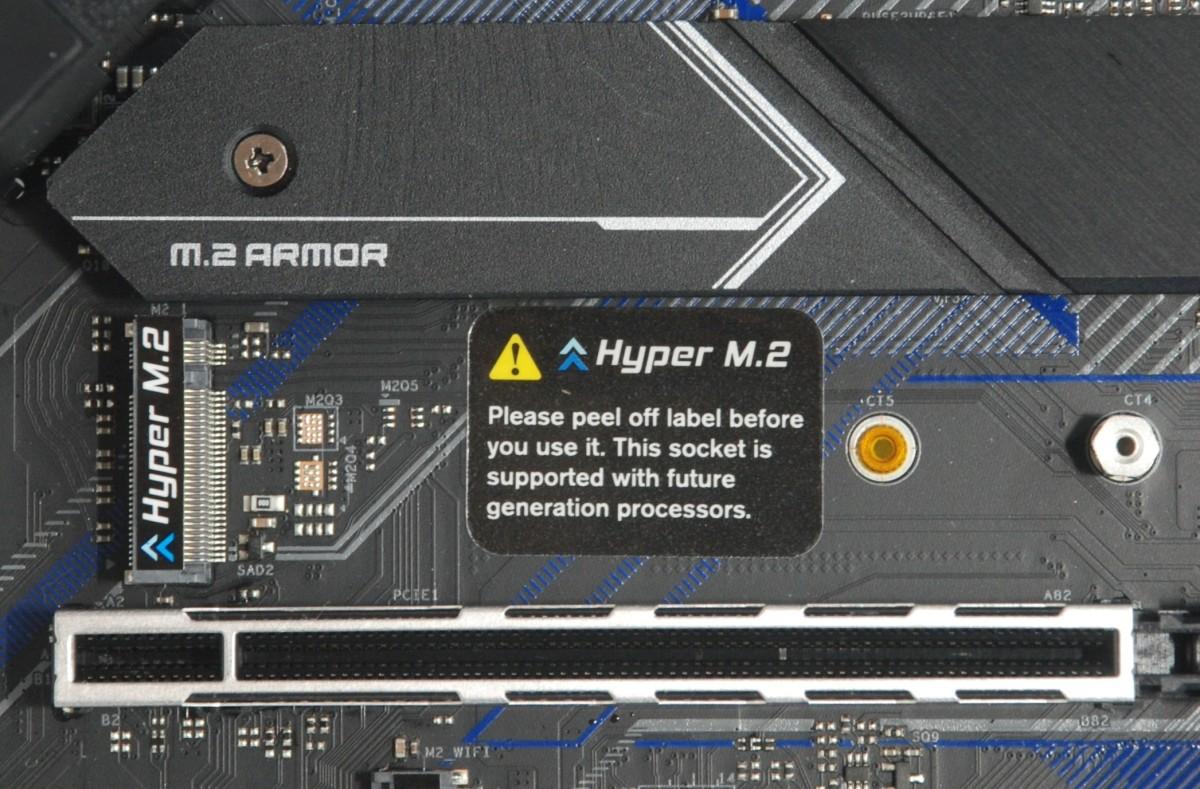 特設 1 組 Hyper M.2 供未來 CPU 的 Gen4 NVMe SSD 功能升級之用