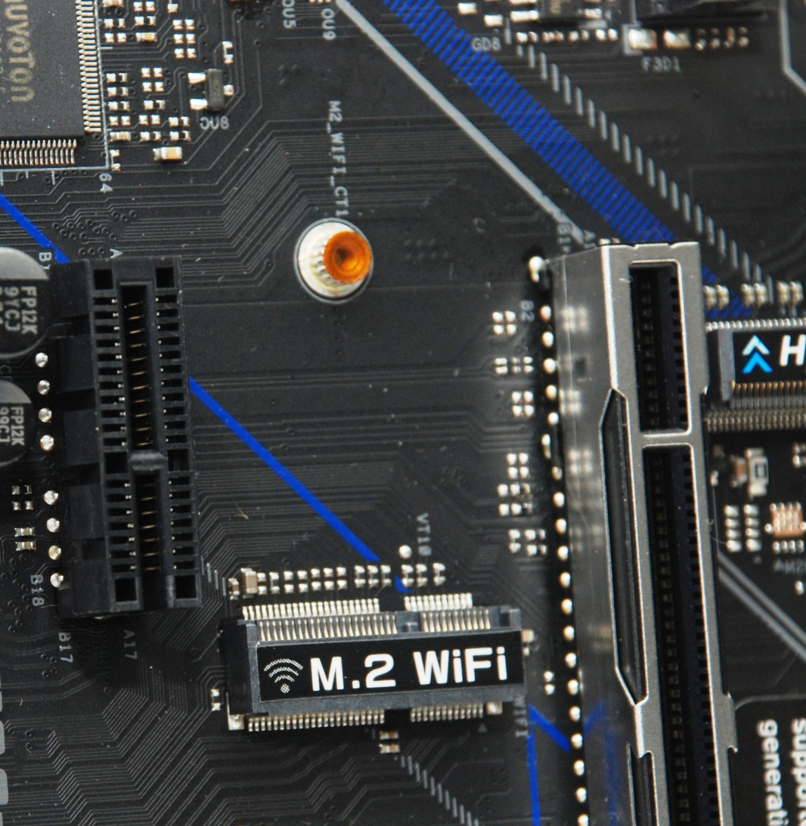 設有 M.2 WiFi 專用短槽作升級無線網絡功能