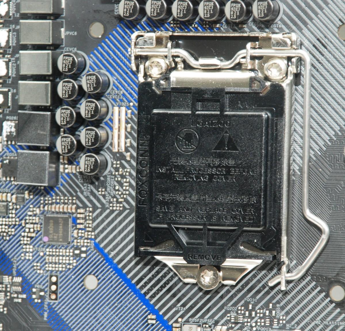 採用 Foxconn 品牌 Socket