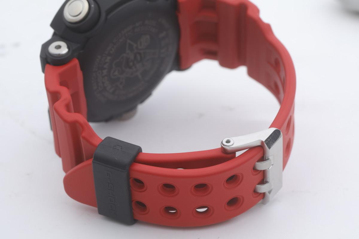 錶帶以氟化橡膠物料造,可防止因水而帶來的侵蝕,提高耐用性。