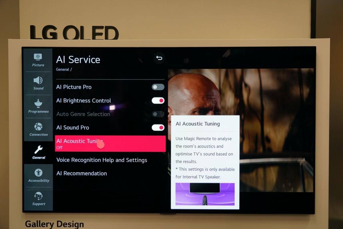 .今年LG電視一樣強調AI聲畫質控制,當中音效新增 AI Acoustic Tuning,以遙控器作收音咪,調節喇叭的音場數值。