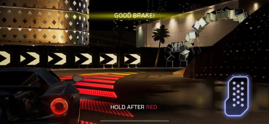玩家只需要在入彎前鬆開油門,出彎後盡快踩油,轉向則交由電腦負責。
