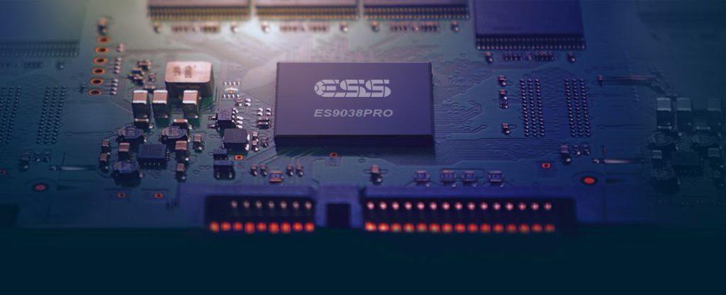 Plenue L 規格出眾,內置 ES9038PRO 解碼芯片, 8 通道 4 核心的 DAC。
