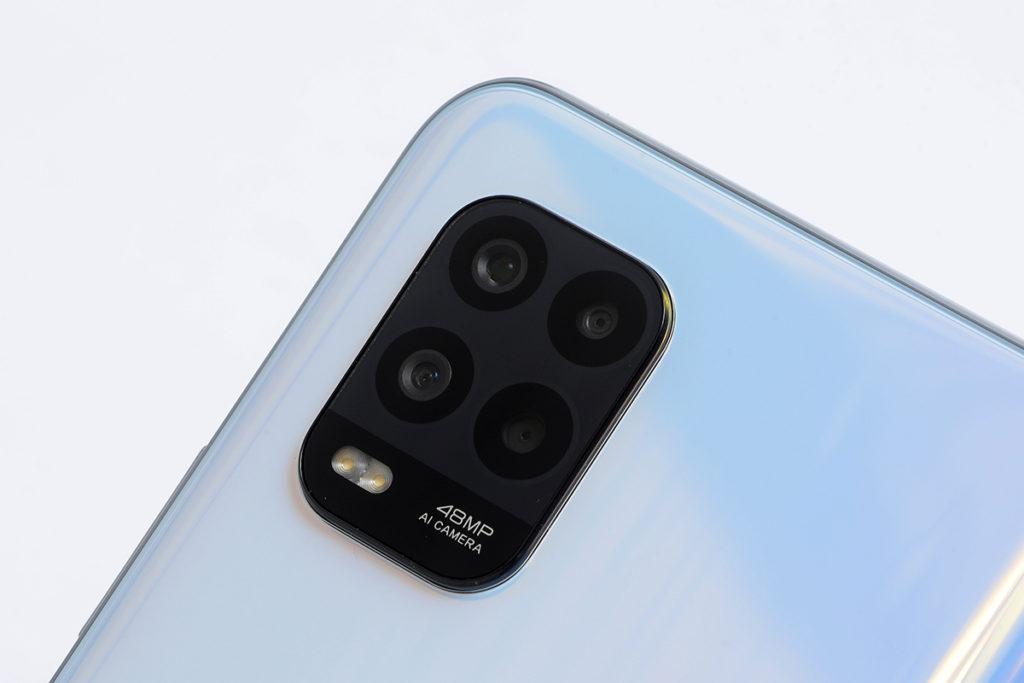 搭載以48MP 主鏡為首的四鏡頭組合,配合 vLog拍攝功能,隨手拍出具玩味的影片。