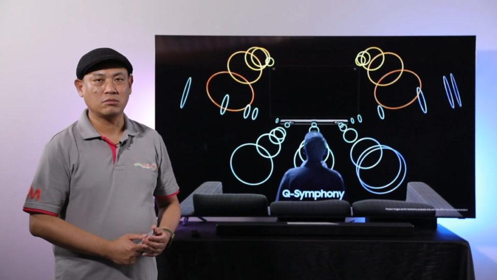 Q-Symphony 功能,可以配合 Samsung 2020 年Q系列 Soundbar,將電視機喇叭以及 Soundbar 配合使用。
