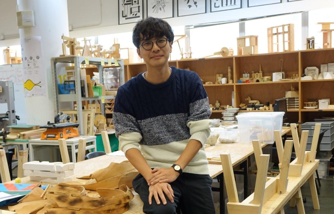 香港兆基創意書院朱永日老師講解,由該校團隊設計的新版「 ICT × STEM 」課程,連小記也有興趣入讀。