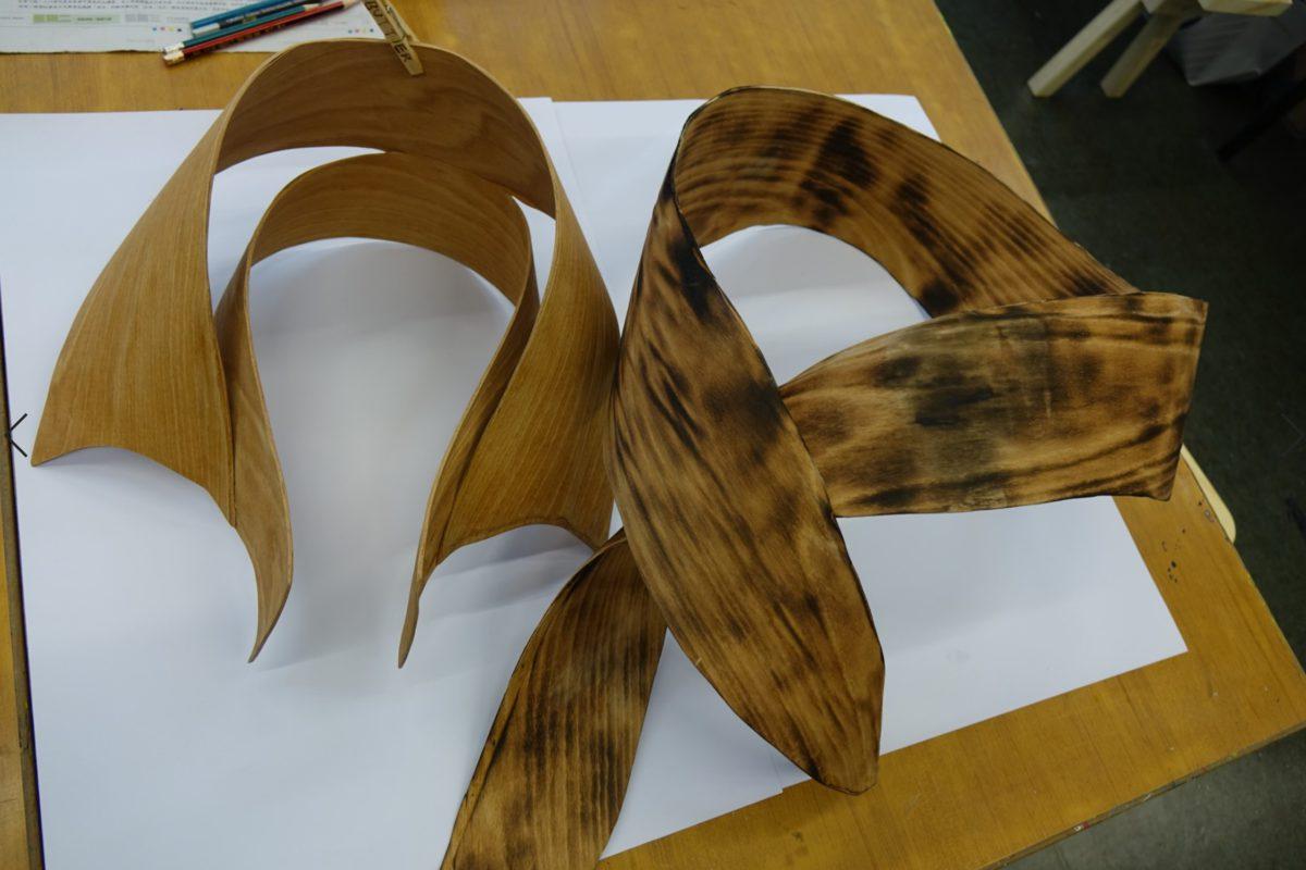 除了人字拖外,創意書院也有其他趣味手作,如讓學生運用木做衣領,實用性或不高,但可拓展思維,也加深對物料認識。