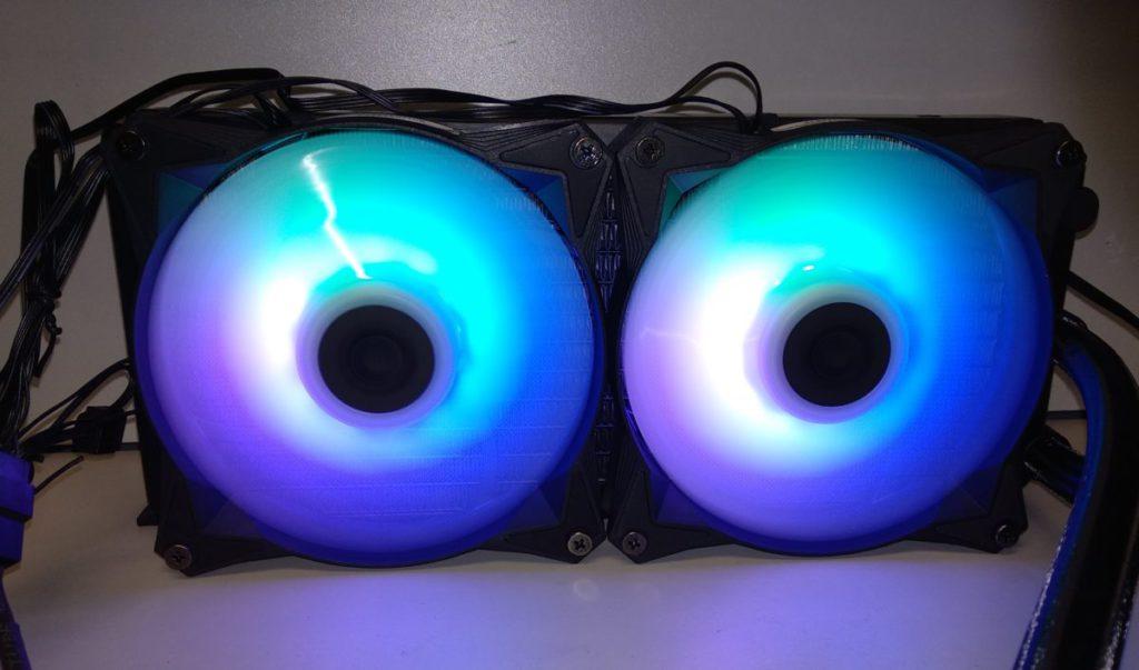 藍綠色的 ARGB 幻彩燈效