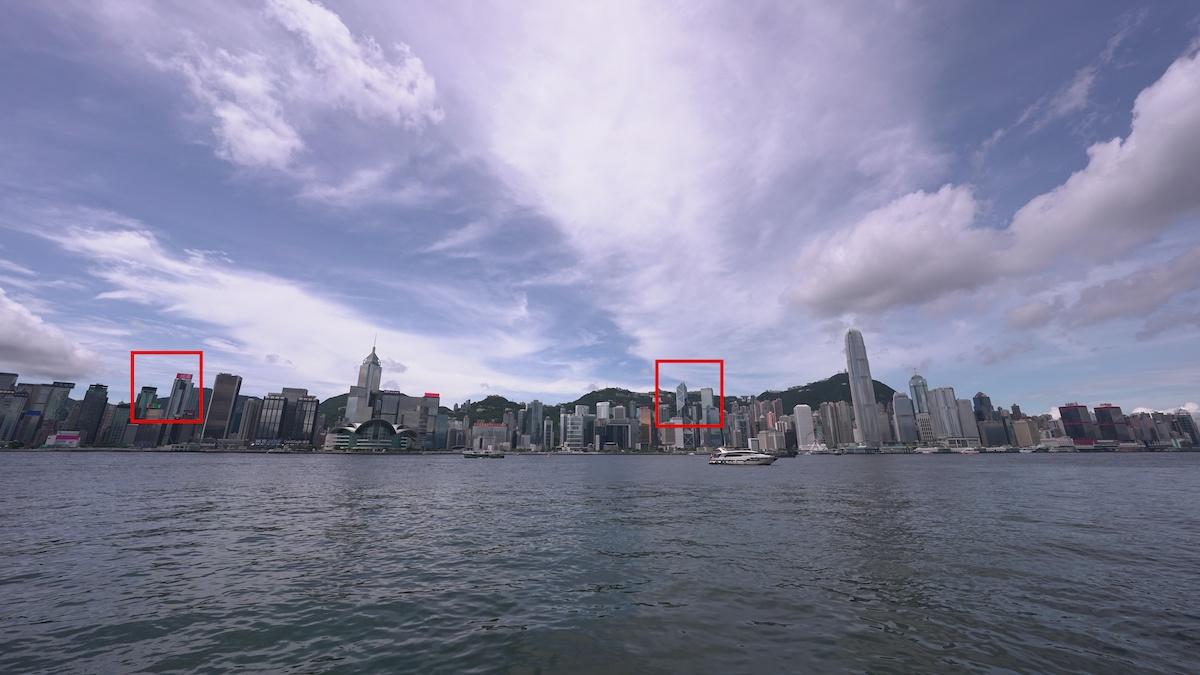 在 12mm 下,畫面兩邊幾乎沒有變形,而且中央和邊緣位置的解像力相當高。