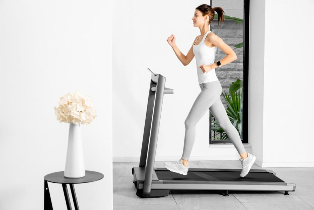 Amazfit AirRun 摺疊式智能跑步機讓大家足不出戶都可以盡情的跑