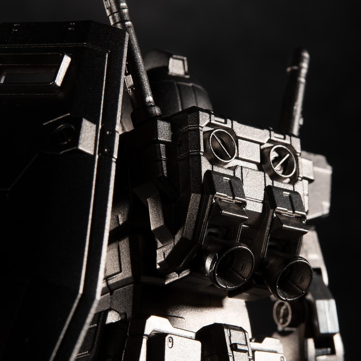 金屬部件採用 MIM 金屬射出成型法製作,可以製作出精密的細節。