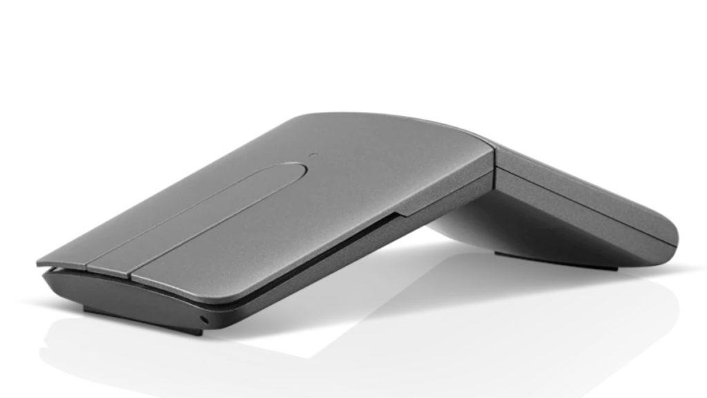 將滑鼠的後半部翻起即成為備有 V 型握把設計的迷你滑鼠。