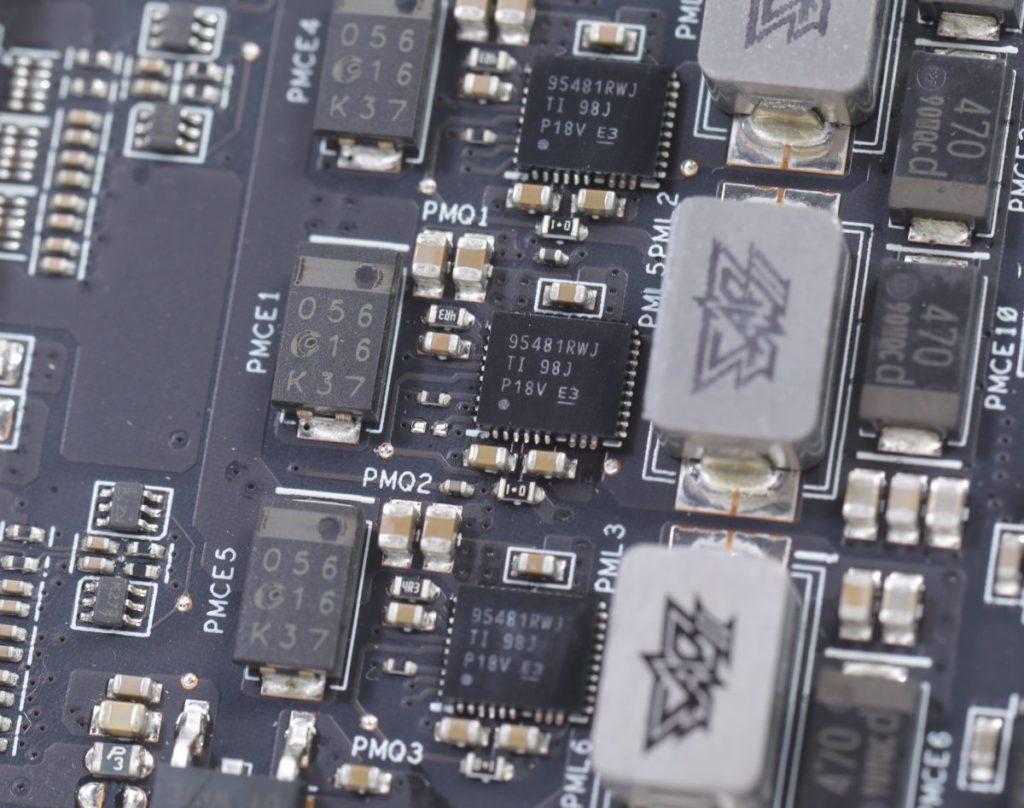少見地採用名廠Te x a s Instruments 95481RWJ Dr. MOS(60А)晶片。
