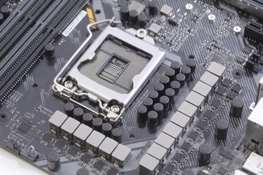 CPU供電採用12+2 DrMOS 設計。
