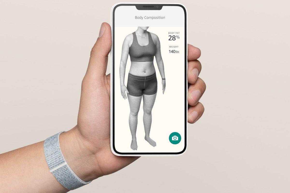 透過照片建立出用戶的 3D 模型,以便分析用戶的體脂肪率。