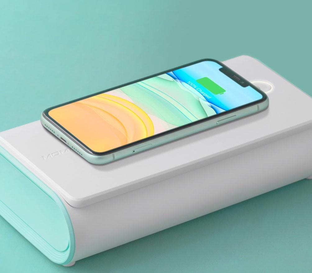 盒面配備 Qi 無線充電板
