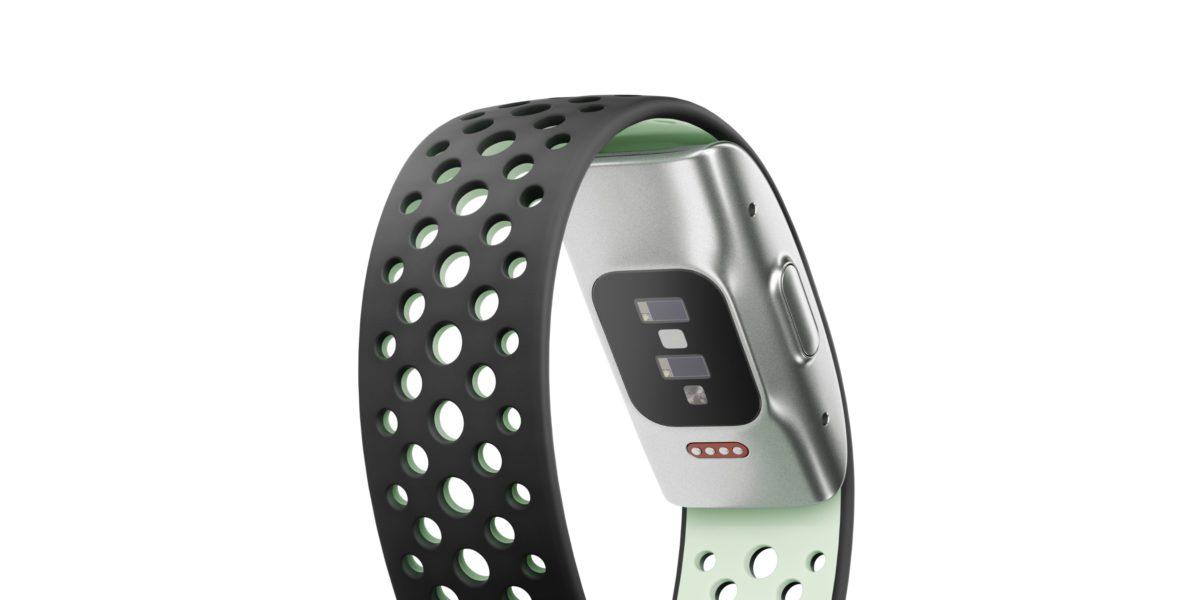 手環主體僅重 18g ,背面設有一系列感測裝置。