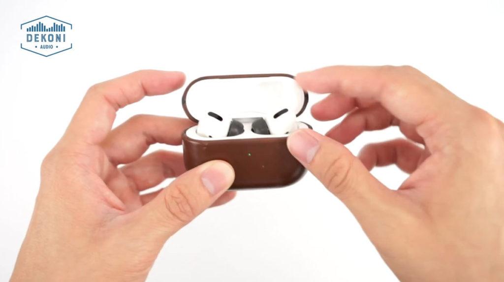 大小和原廠的 AirPods Pro 耳膠相若,可一同放於充電盒內。