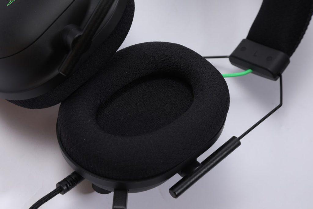 FlowKnit 記憶泡綿耳棉能降低流汗及皮膚敏感問題。