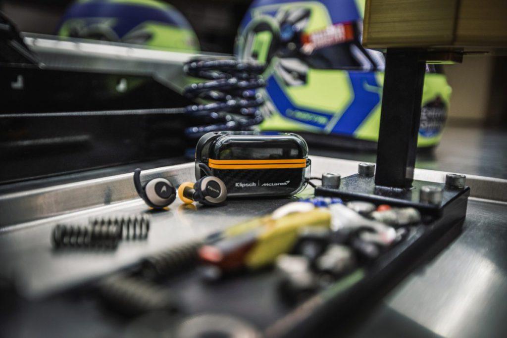 (13) 與一級方程式 McLaren 車隊合作的 Klipsch T5 II True Wireless Sport McLaren 是今次的主角