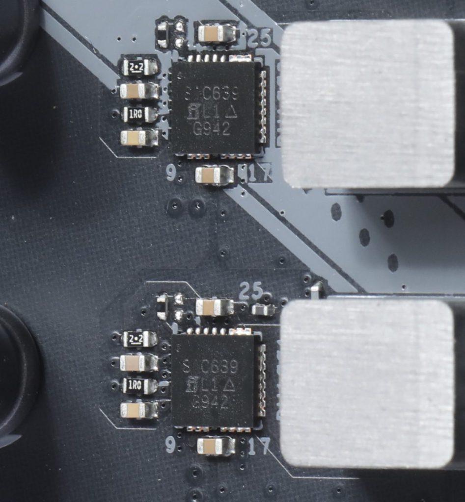採用 Vi shay SiC639 50A Power Integrated Power Stage 晶片,較一般 MOSFET 方案強。