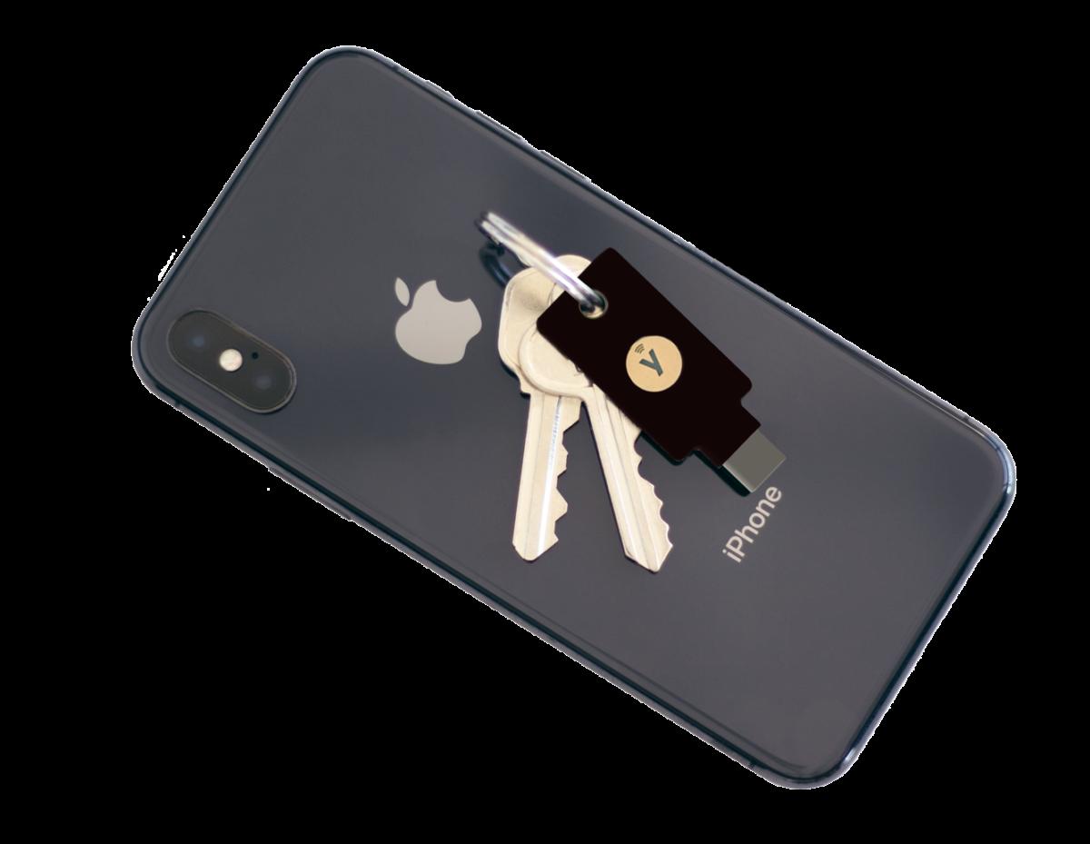 iOS 由 13.3 開始支援安全金鑰,透過 NFC , Android 和 iPhone 手機也能安全登入。