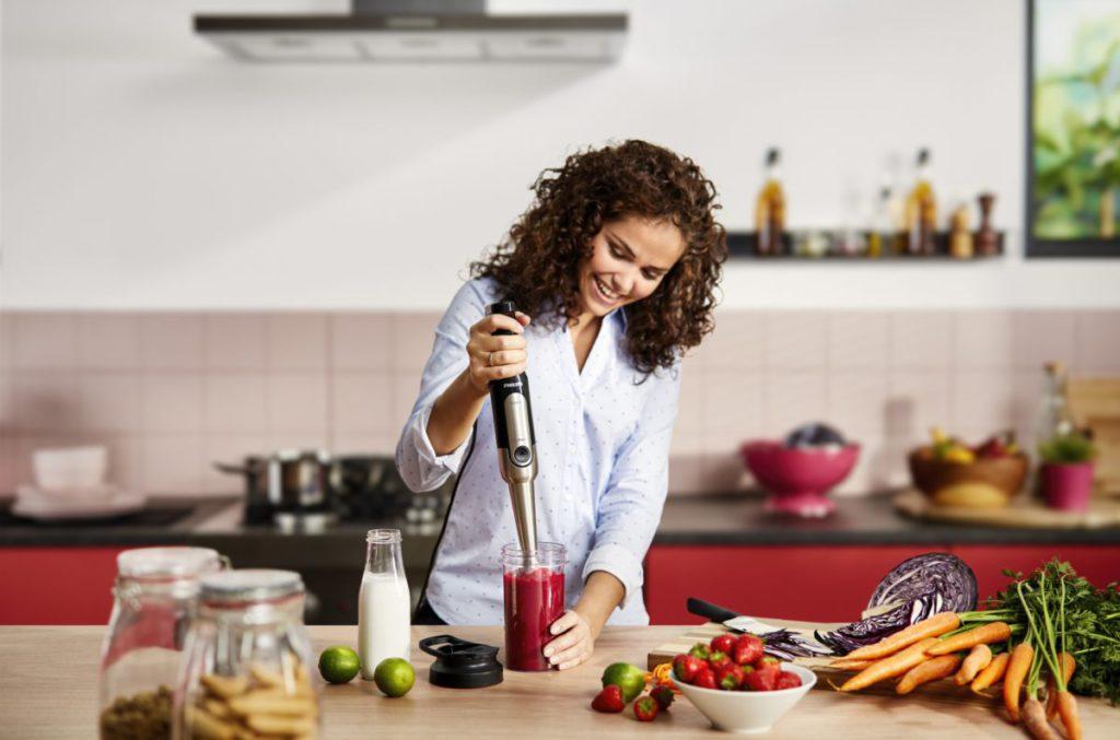搭載 SpeedTouch 觸感式力度調控,使用時用家可憑直覺攪拌,隨時因應食材質感改變速度