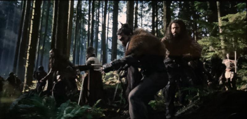 主角帶領村民在山林前進時,踏草聲定位相當清晰。