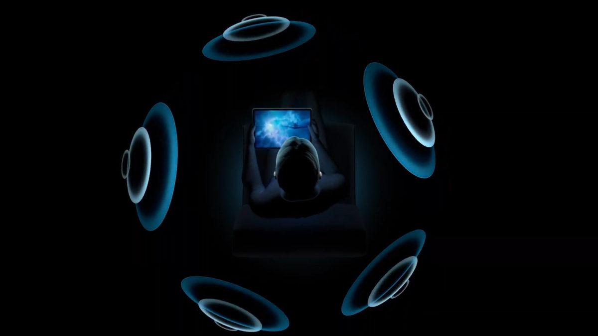 「空間音響」功能可以利用空間算法在 AirPods Pro 耳機模擬環繞聲。