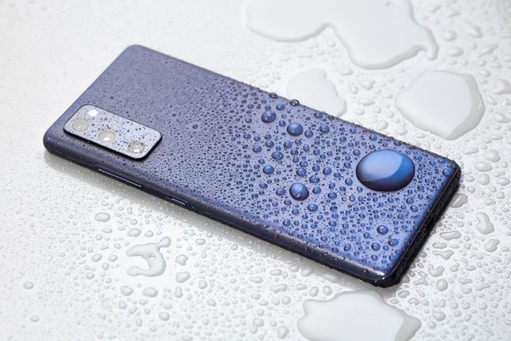 多色設計機身支援 IP68 防水防塵機能。