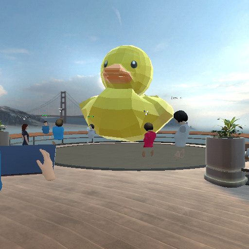 透過 VR 頭戴式裝置便可於虛擬平台見到曾在港出現的沖涼鴨仔,仲可以同佢近距離影相打卡。