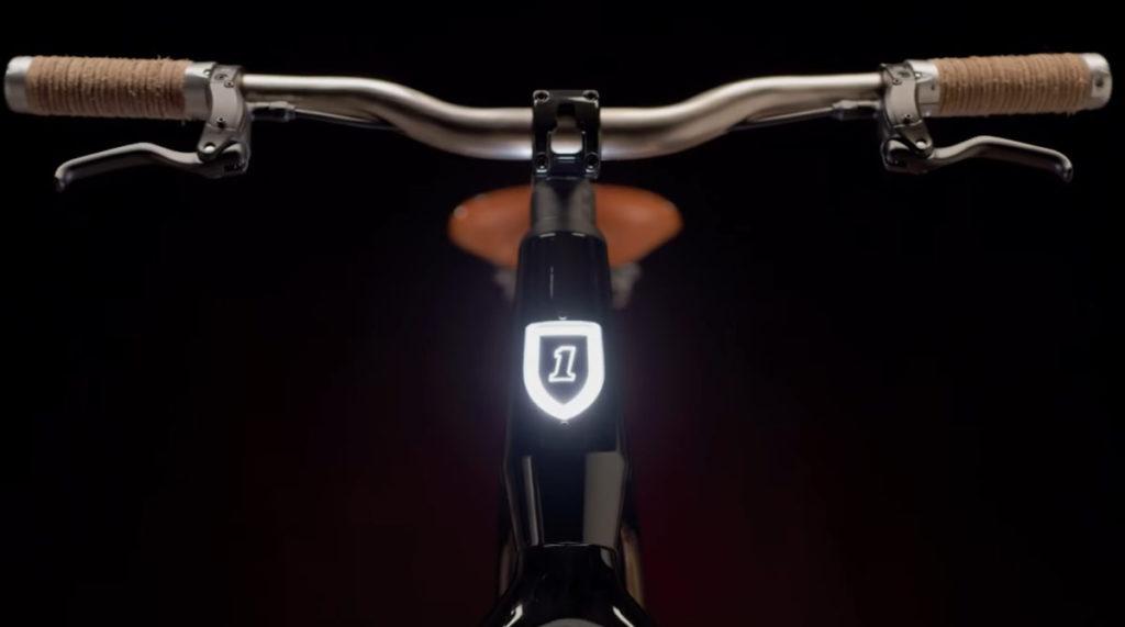 前方的標誌會亮燈,一看就知道是電動單車