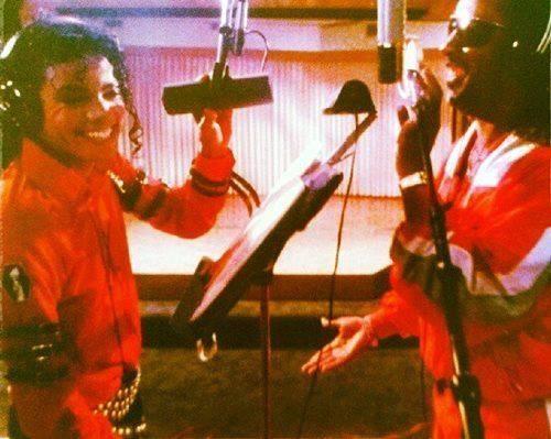 當年 Michael Jackson 在灌錄經典唱片「 Thriller 」時,選用了 Shure 的 SM7b 咪高風。