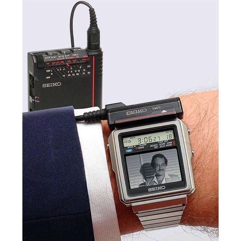 接連專用調頻器就能收看電視 (圖為 dx002)