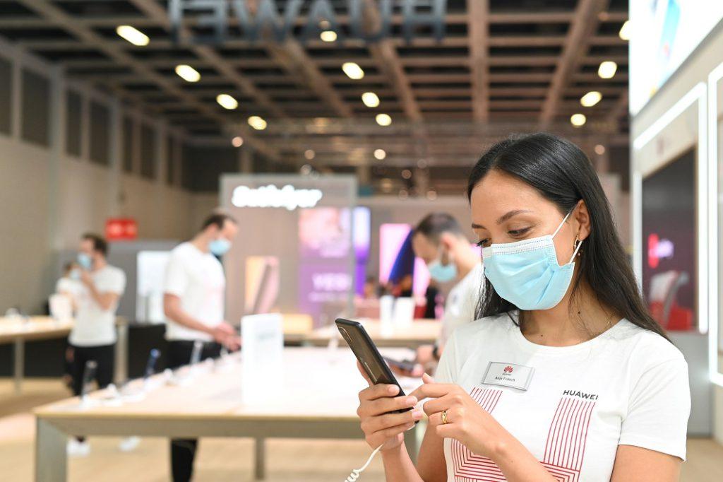 疫情下,雖說網上展覽會是新常態,但實體展館才有的互動與觸感卻難以被取代。