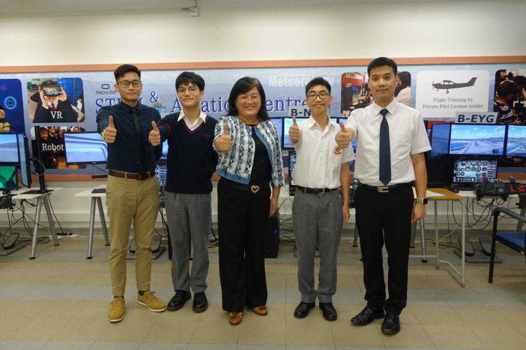 博愛醫院八十週年鄧英喜中學 受訪師生,(左起)教師方啟垚、學生 陳凱廸、校長李慧、 學生方潮安和教師葉愷傑。