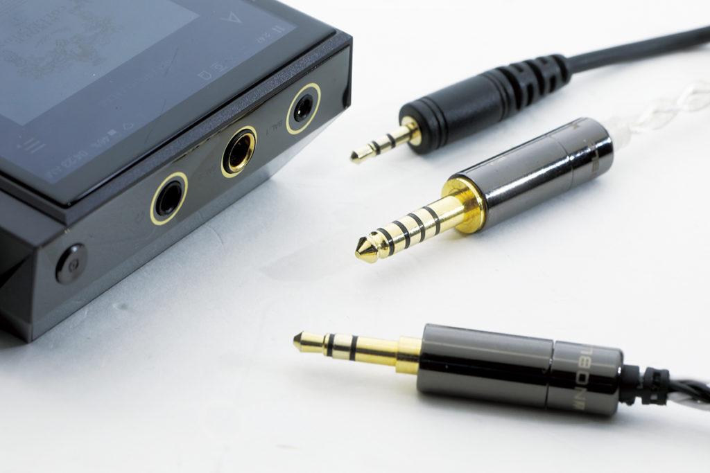 加入 4.4mm 平衡輸出是一大賣點,而且跟 2.5mm 平衡輸出分開獨立線路,避免干擾問題。