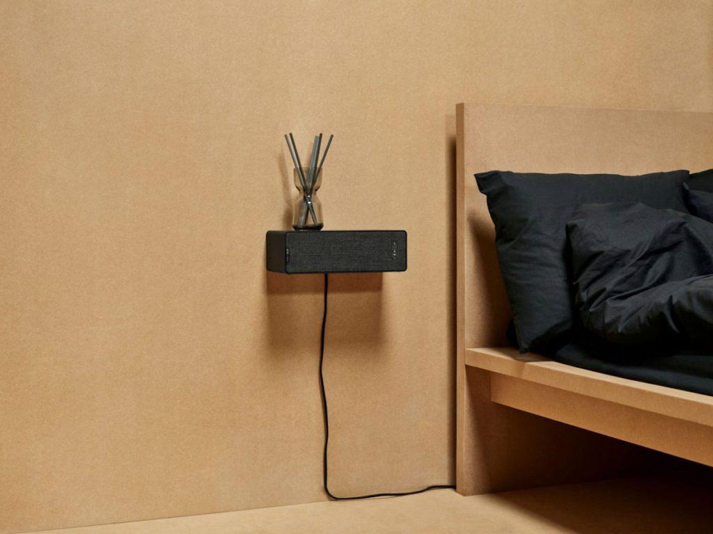 SYMFONISK 書架喇叭更可以當牆架使用,用來放置一些小雜物或擺設