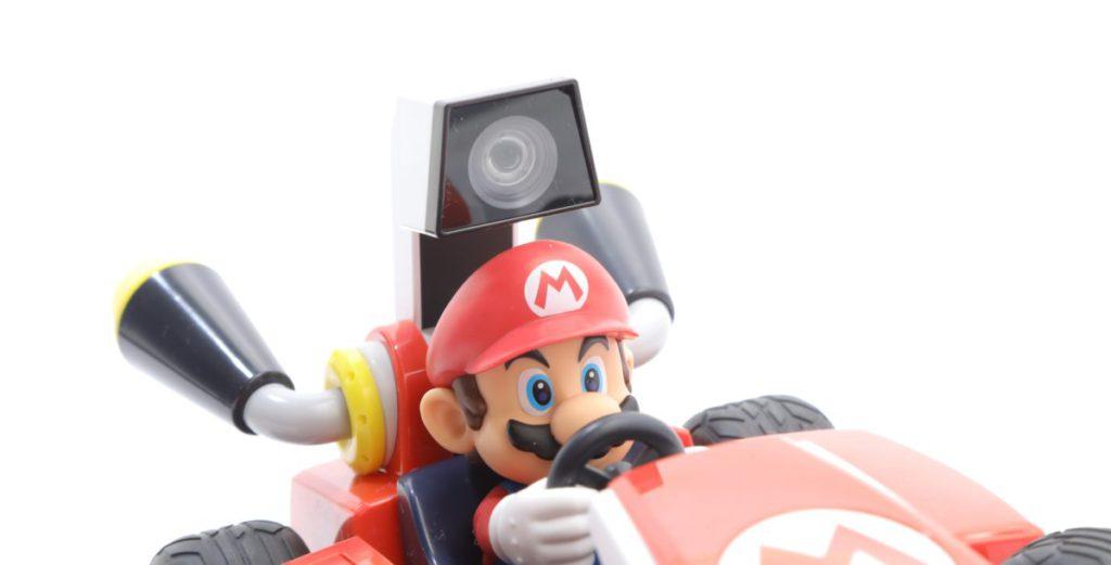 由於是以 Mario 頭上的固定 AR 鏡頭去拍攝畫面,所以遊玩時不設有倒後鏡頭觀看。