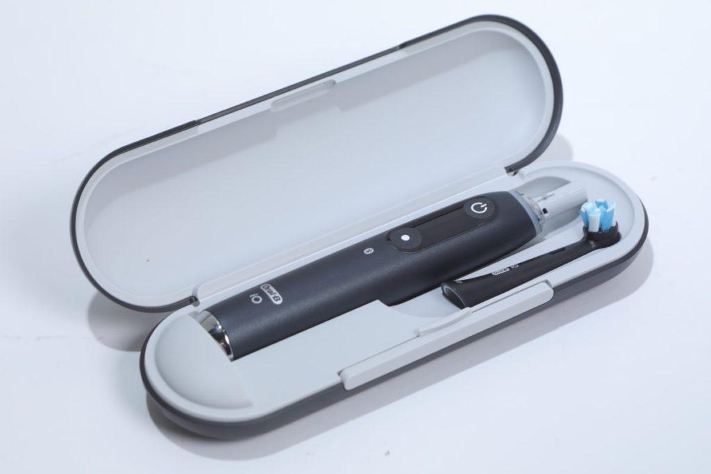 附送 Power2Go 旅行充電盒。該盒在配合專用的火牛還可直接充電。