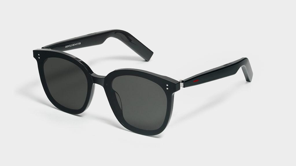 HUAWEI X GENTLE MONSTER Eyewear II 智能眼鏡,二代目同樣是型格太陽鏡設計,但採用了體積更大的超薄大振幅揚聲器,帶來更為寬廣的音域表現。