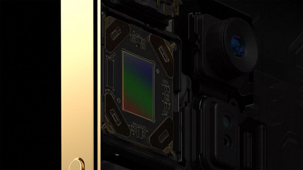 如無反相機內機身防震功能,「感應器移動式光學影像防震」功能」可每秒進行 5,000 項調整,速度快達 iPhone 11 Pro 的五倍,拍攝穩定性比鏡頭光學防震功能更好。