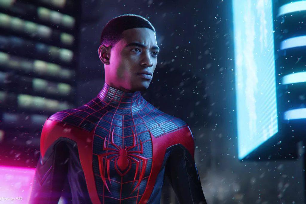 PS4 版《 Marvel 蜘蛛俠: Miles Morales 》的遊戲進度可以轉移至 PS5 版,不過必須透過光碟版 PS5 主機。