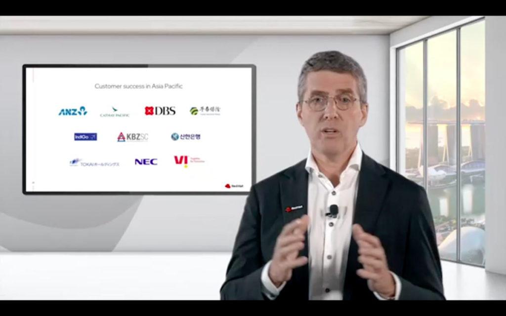 Dirk-Peter van Leeuwen 在 Red Hat Forum 亞太區網上虛擬論壇上演講。