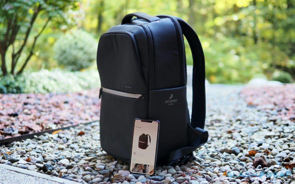 可以接連手機使用的 Konnect-i 智能背包